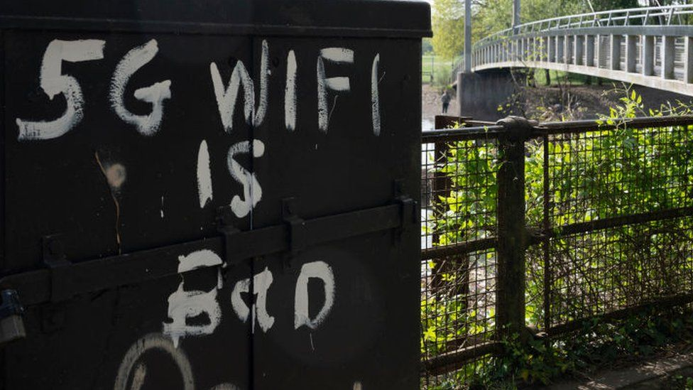 Graffiti in Bute Park that reads '5G wifi is bad