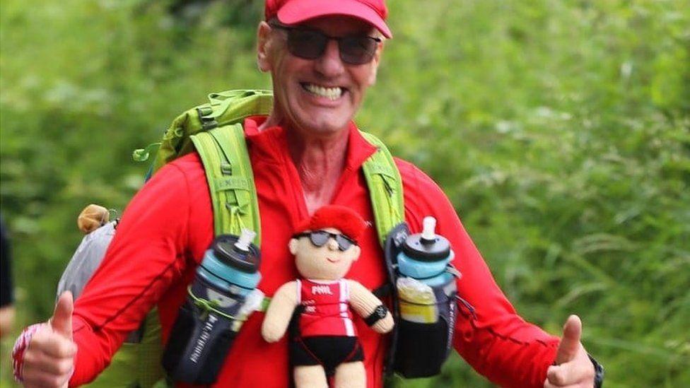 Phil Hammond running