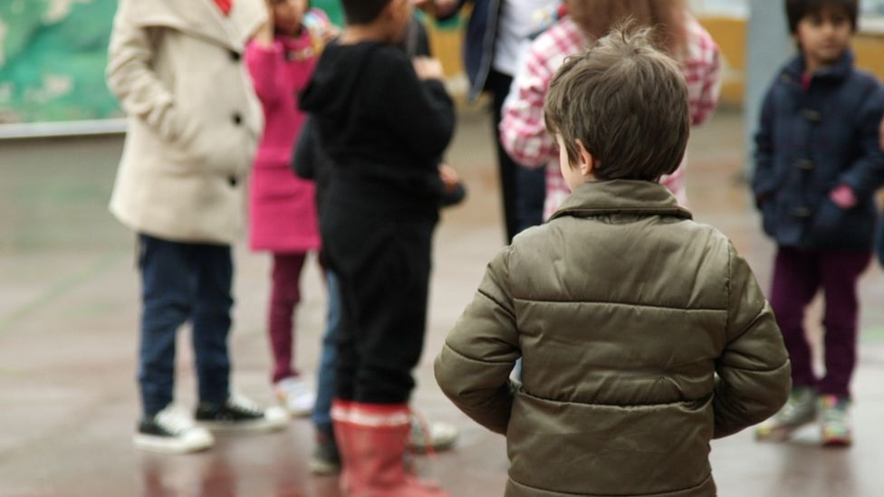 Refugee children starting school in Thessaloniki