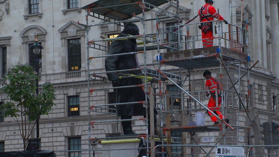Churchill's statue being uncovered