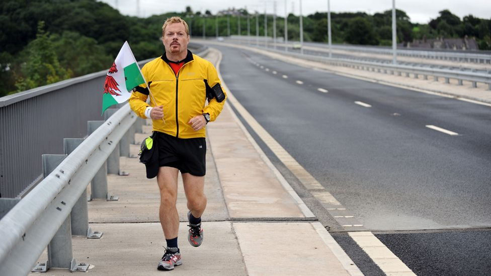 Eddie Izzard running in 2010