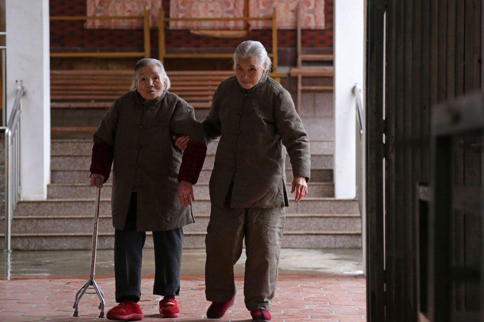 Shi YuPing and Shi Guazi
