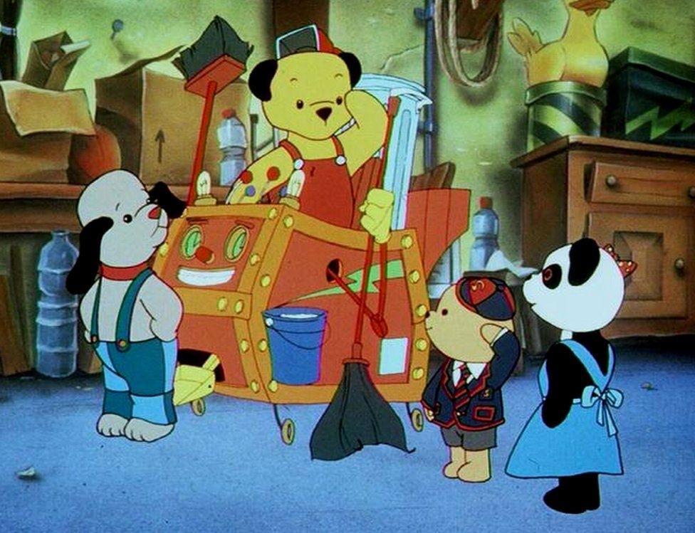 Sooty cartoon with Sweep and Sue in 1997