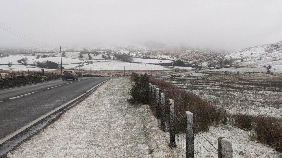 Snow on the A470 at Bwlch yr Oerddrws