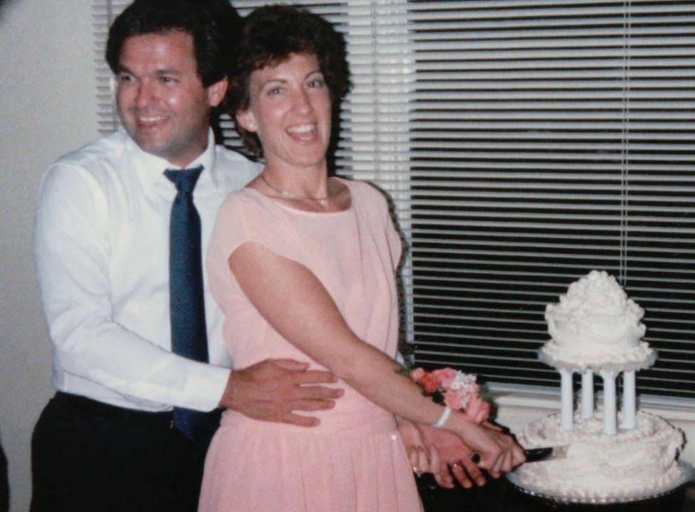 Frank and Carly Fiorina on their wedding day in 1985