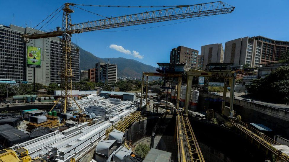 An overview of the construction of the subway in Caracas, Venezuela, by Brazilian company Odebrecht