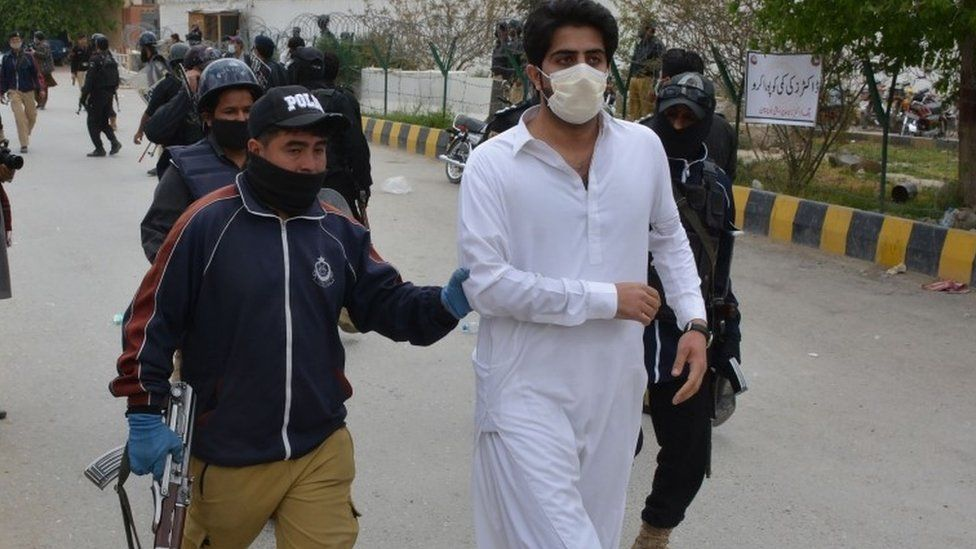 Doctors arrested after a demonstration in Quetta, 10 April 2020