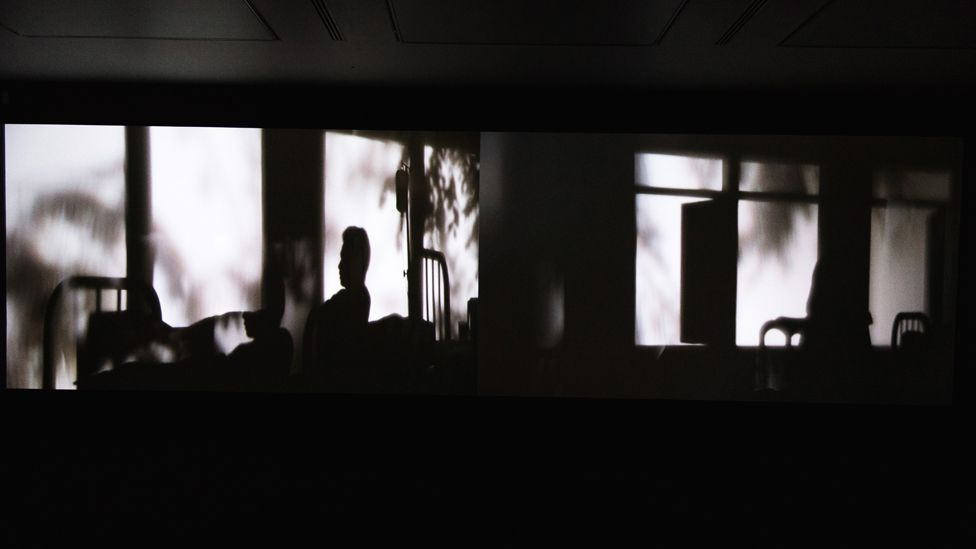 Two figures in different rooms begin to infiltrate each other's dreams, in Weerasethakul's two-channel video installation