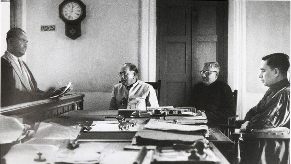 Dr Ambedkar with individuals from the Bar Association of Aurangabad in western India in 1950