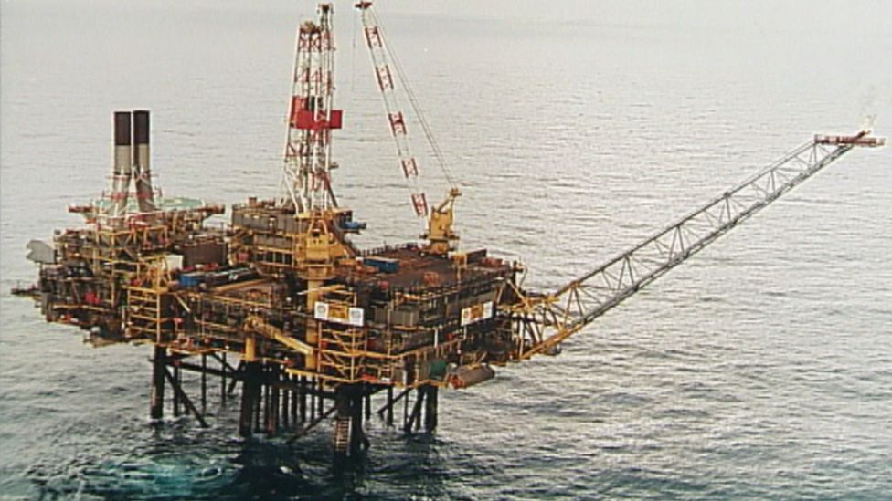 Safety concerns raised about North Sea oil rig's refuge area