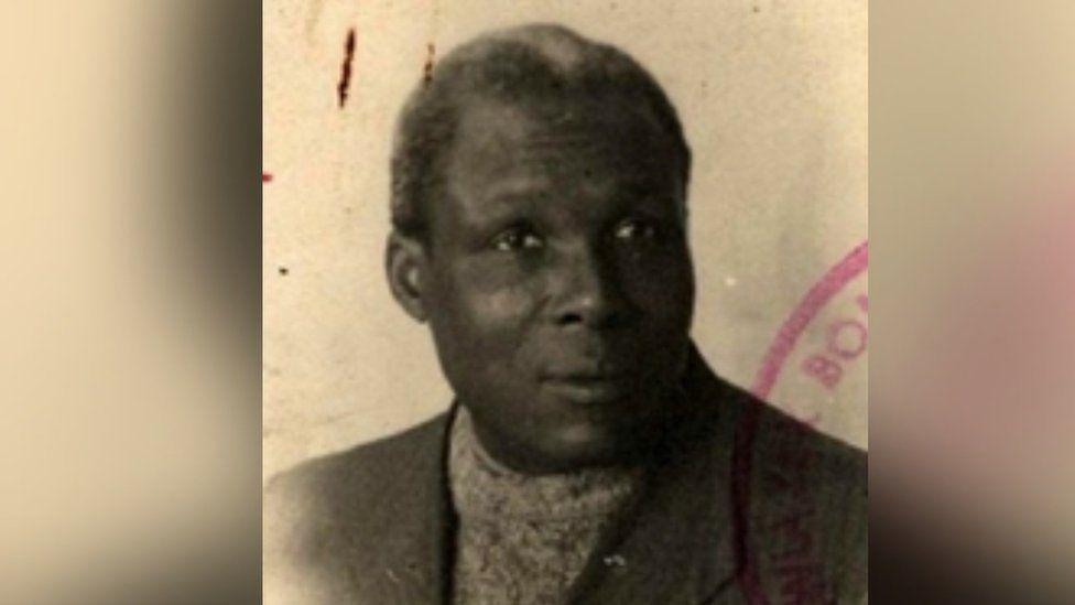 August Browne's passport photo