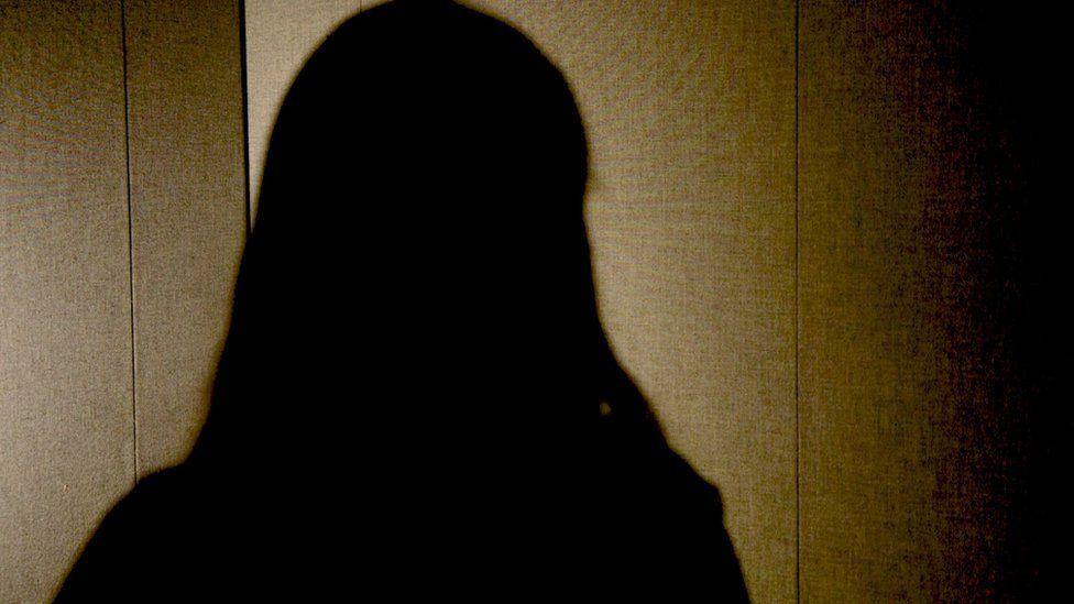 'Tive filho de um estupro e hoje coordeno serviço de aborto por WhatsApp'