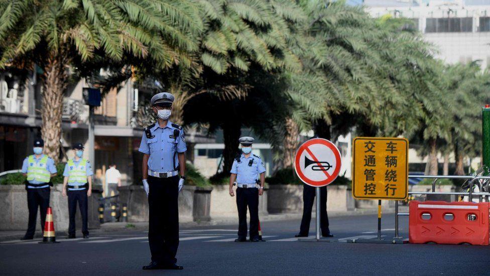 Police in Chengdu