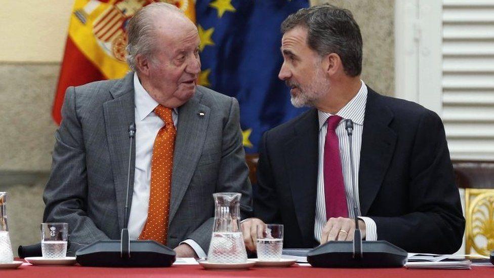 Former King Juan Carlos (left) and King Felipe VI. Photo: May 2019