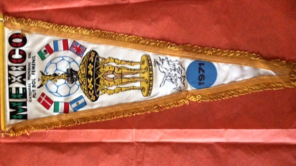 A 1971 tournament pennant featuring the six teams