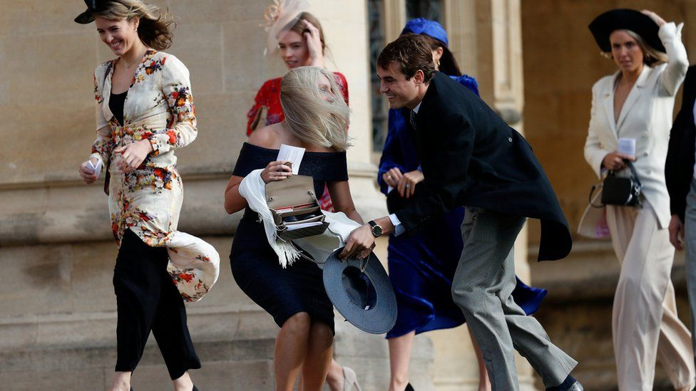 Guests arrive at Eugenie's wedding