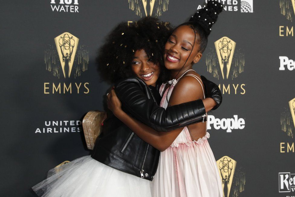 Thuso Mbedu poses with US actress Mychal-Bella Bowman on the red carpet.