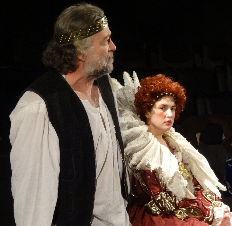 Bruce Rogers as Shakespeare and Carey Seward as Queen Elizabeth I, in 2013