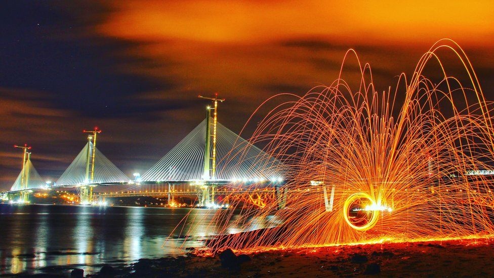 Fireball fun from the shore near Hopetoun House