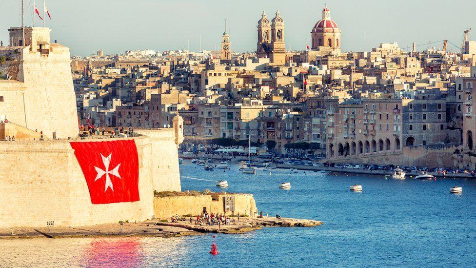 Писатель Росс Кеннет Эркен посетил Форт Святого Анджело (на снимке) в Валлетте, чтобы поподробней узнать о старейшем в мире рыцарском ордене госпитальеров Мальта Мальта  104661501 malta2