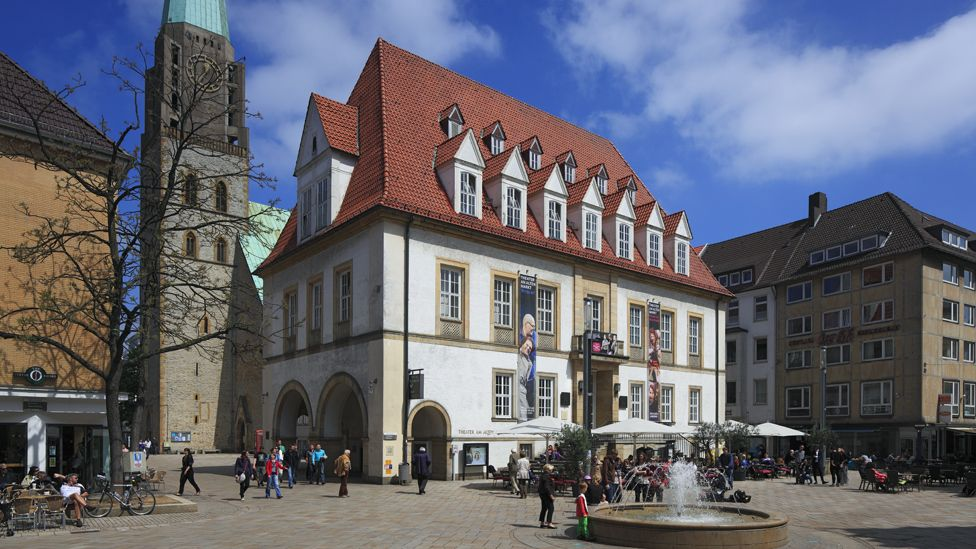 City of Bielefeld offers €1m for proof it doesn't exist - BBC News
