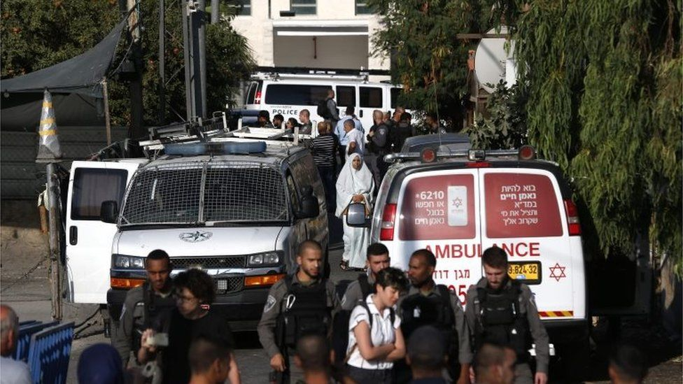 Israeli police and an ambulance at scene of eviction in Sheikh Jarrah