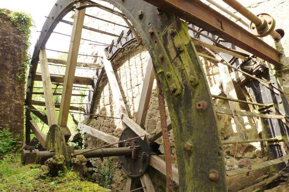 Mill wheel at Ennish Mill