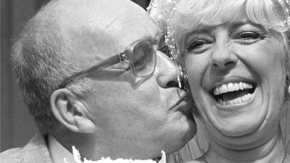 Alec Gilroy and Julie Goodyear