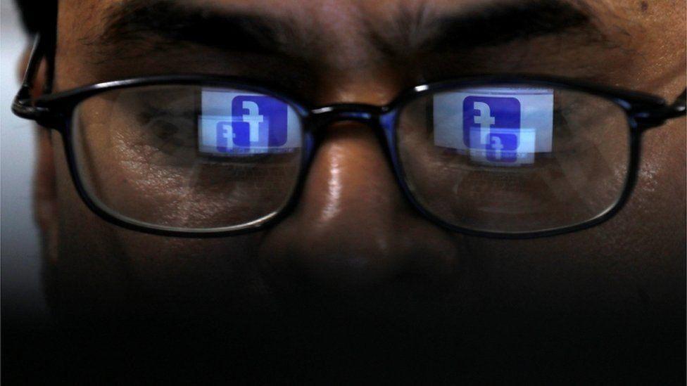 فيسبوك تعترف بنسخ البريد الإلكتروني لـ 1.5 مليون مستخدم دون موافقتهم