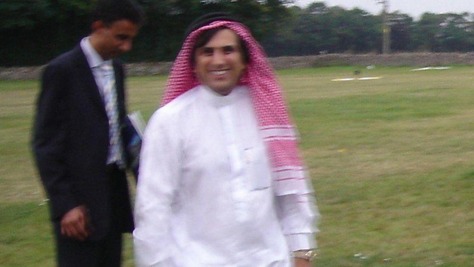 Mazher Mahmood dressed as the Fake Sheikh
