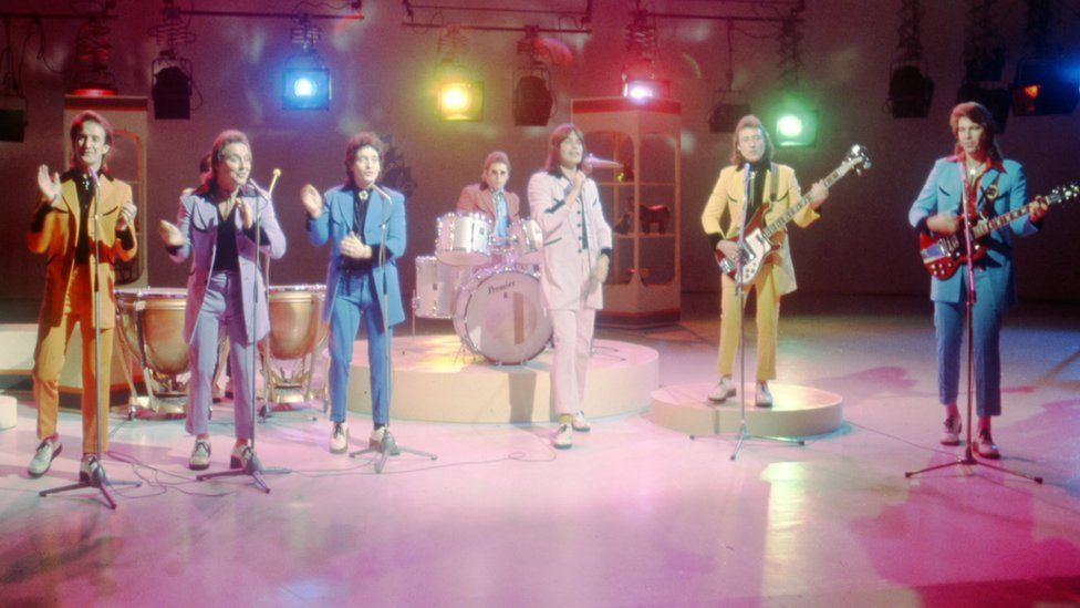 Showaddywaddy, the group perform 'Under the Moon of Love'