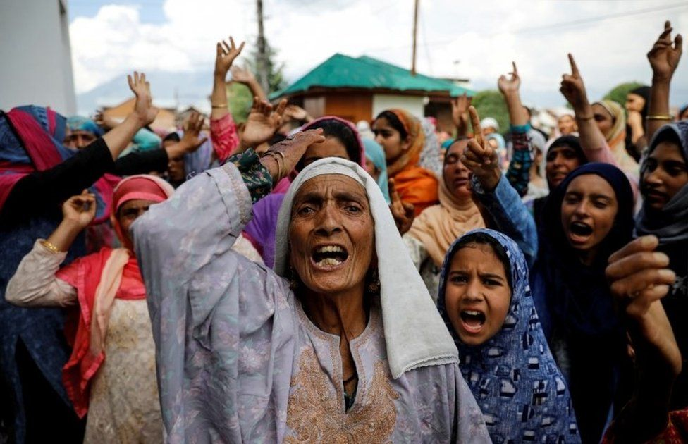 Kashmiri women shout slogans during a protest after the scrapping of the special constitutional status for Kashmir by the Indian government, in Srinagar, August 11, 2019