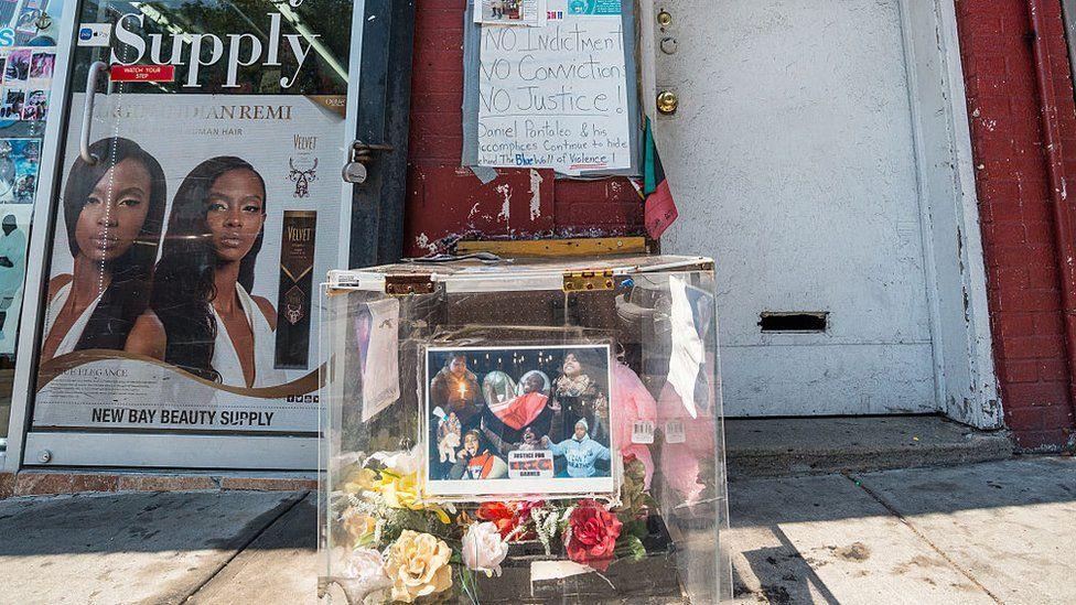 Memorial to Eric Garner in New york