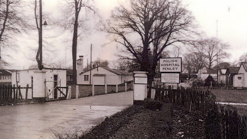 Undated black and white photo showing Penley Hospital's entrance