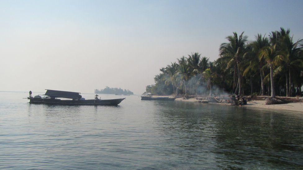 Bajau visit island
