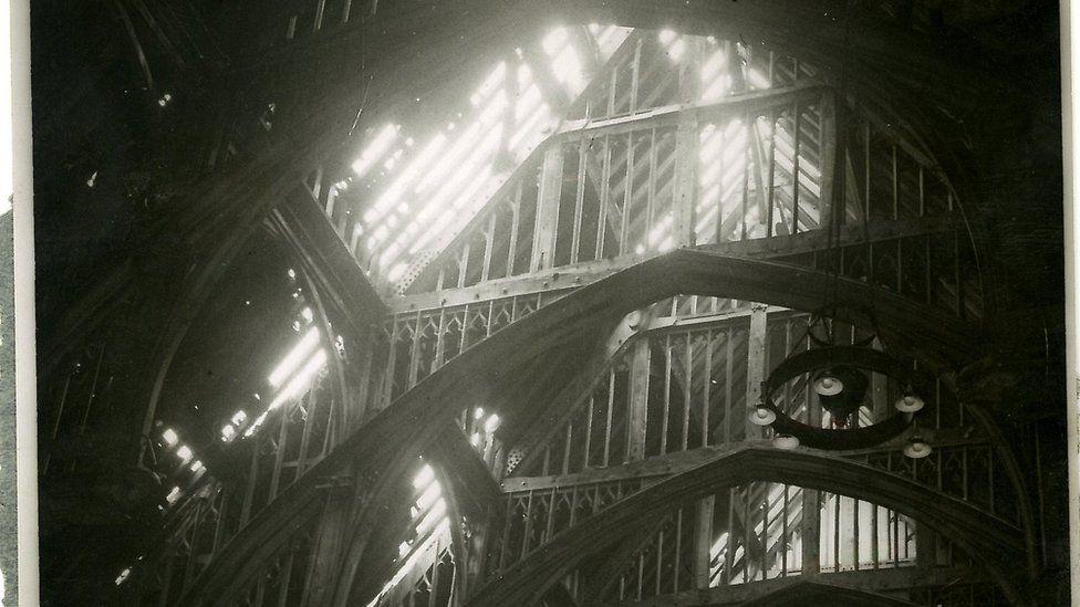 Westminster Hall roof damage