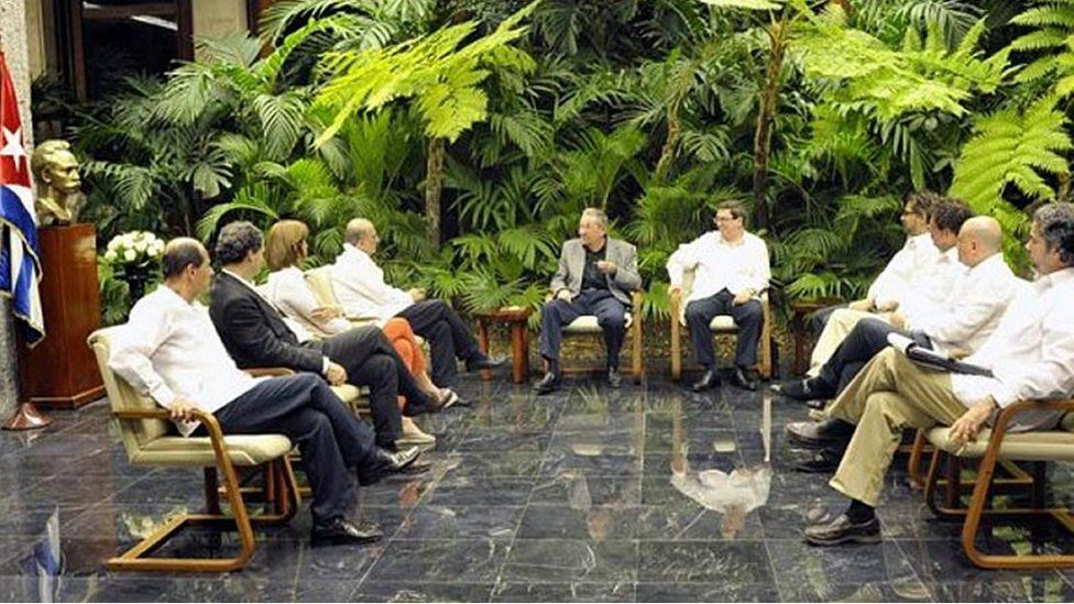 Colombian government officials and Farc representatives at Havana talks chaired by Cuban President Raul Castro (18 January)
