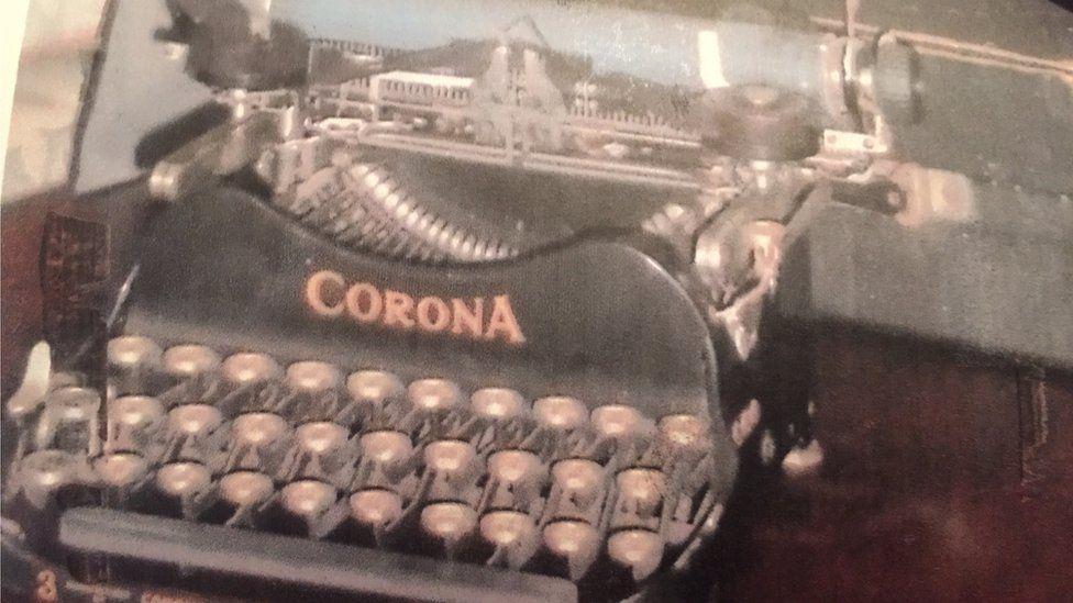 Winifred Carney typewriter