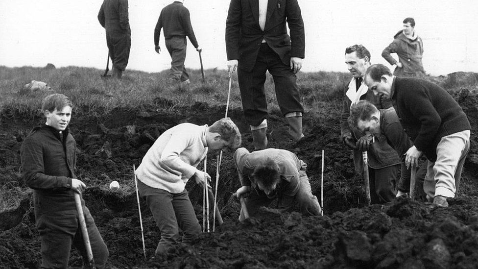 Police search of Saddleworth Moor in 1965