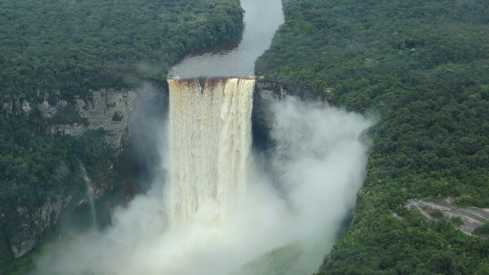 A view of Kaieteur Falls