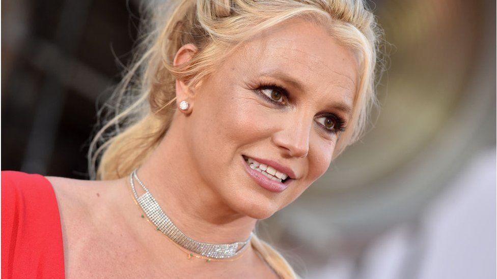 Britney Spears' father suspended as conservator thumbnail
