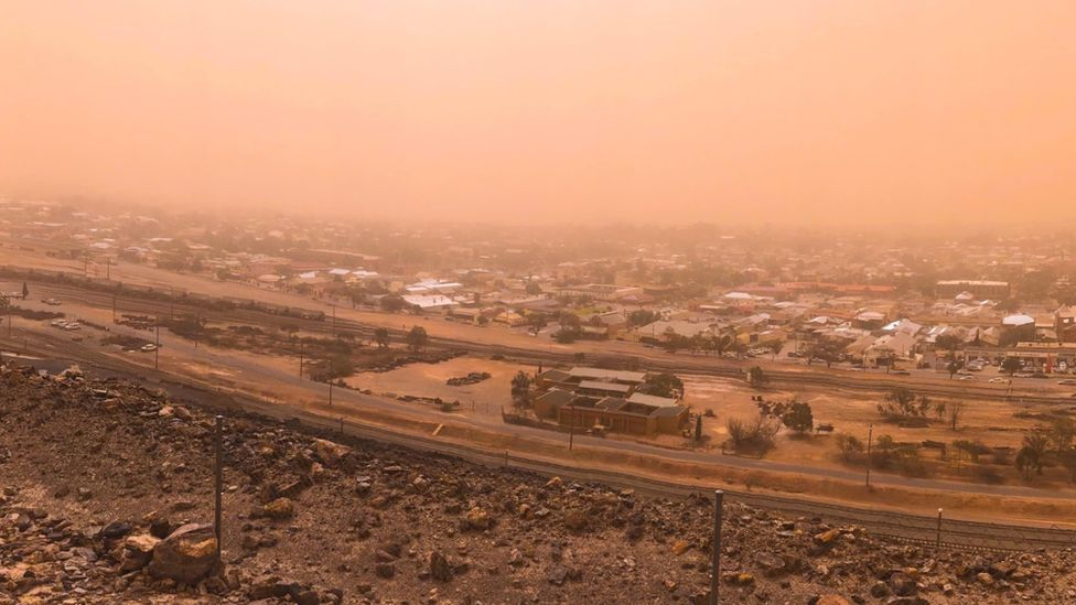 A view of the dust storm in Broken Hill