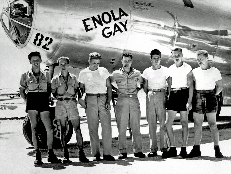 艾諾拉·蓋(Enola Gay)B29轟炸機機組成員。