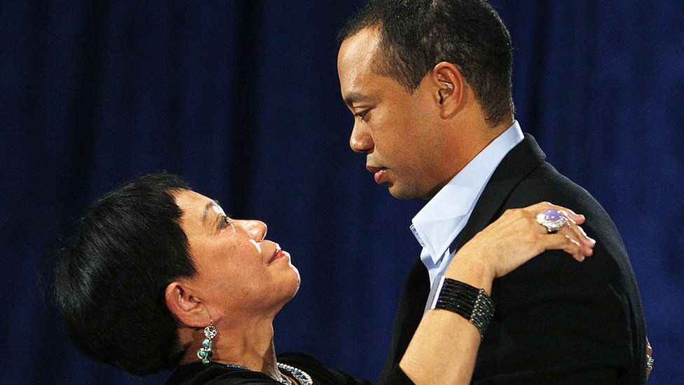Tiger Woods with his mother Kultida Woods after he publicly admitted to infidelity, on 19 February 2010
