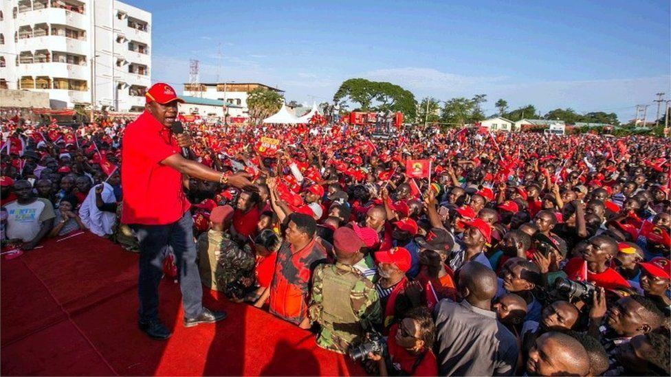 Uhuru Kenyatta addresses Jubilee Party supporters during a campaign rally at Tononoka grounds in Mombasa, Kenya August 2, 2017.