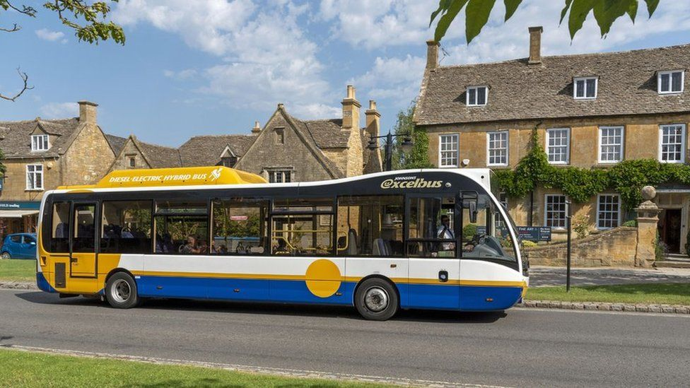 Bus in Broadway, Worcestershire