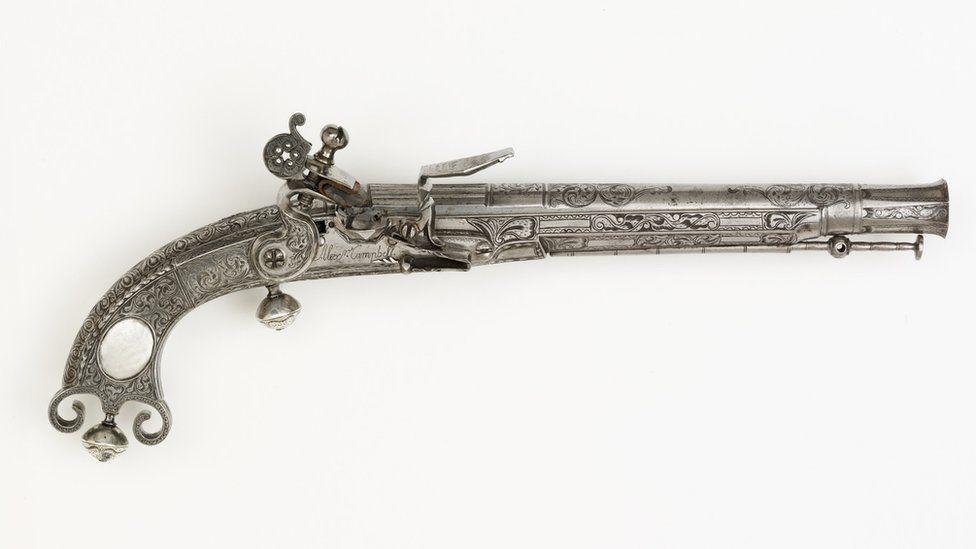 Highland pistol