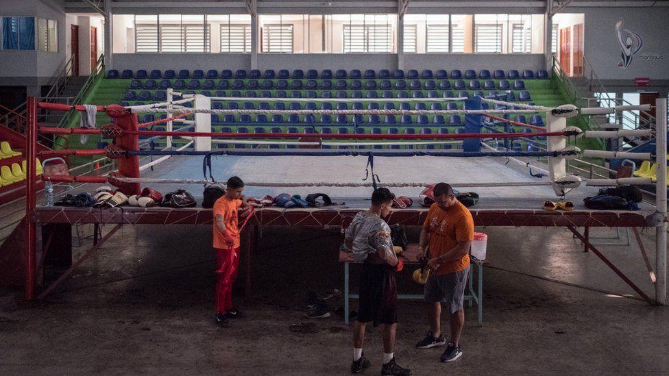 Ramiro Blanco training by the ringside at Gimnasio Nicarao in Managua, Nicaragua