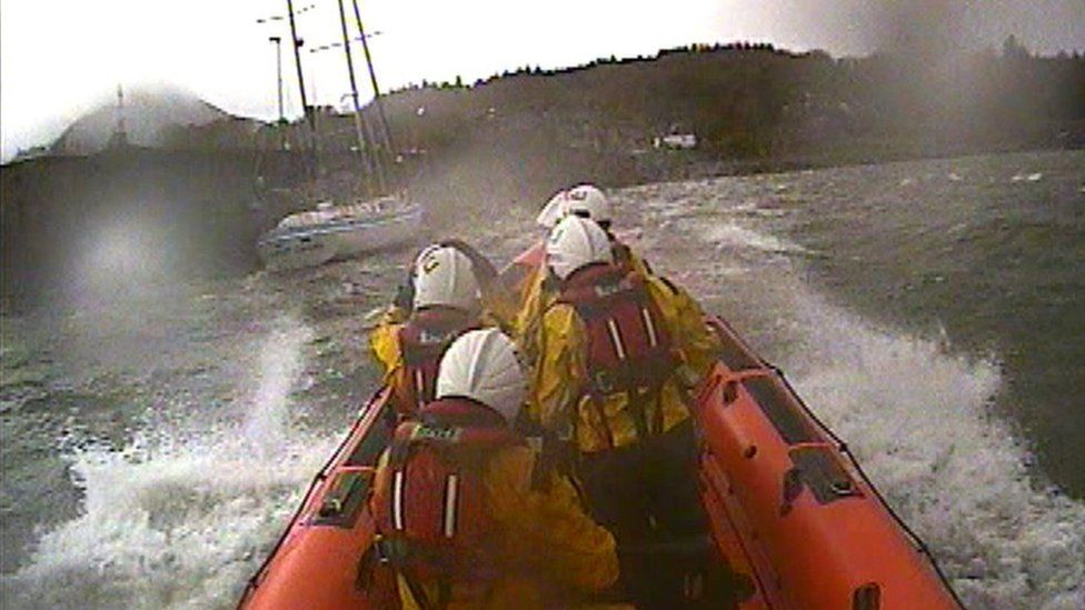 RNLI crew rescue