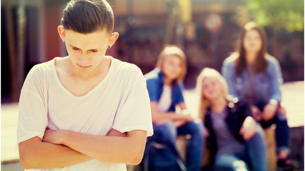 De notas baixas a depressão na vida adulta, as marcas do bullying em agredidos e agressores